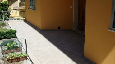 Pavimentazione terrazza con gres porcellanato 15×15