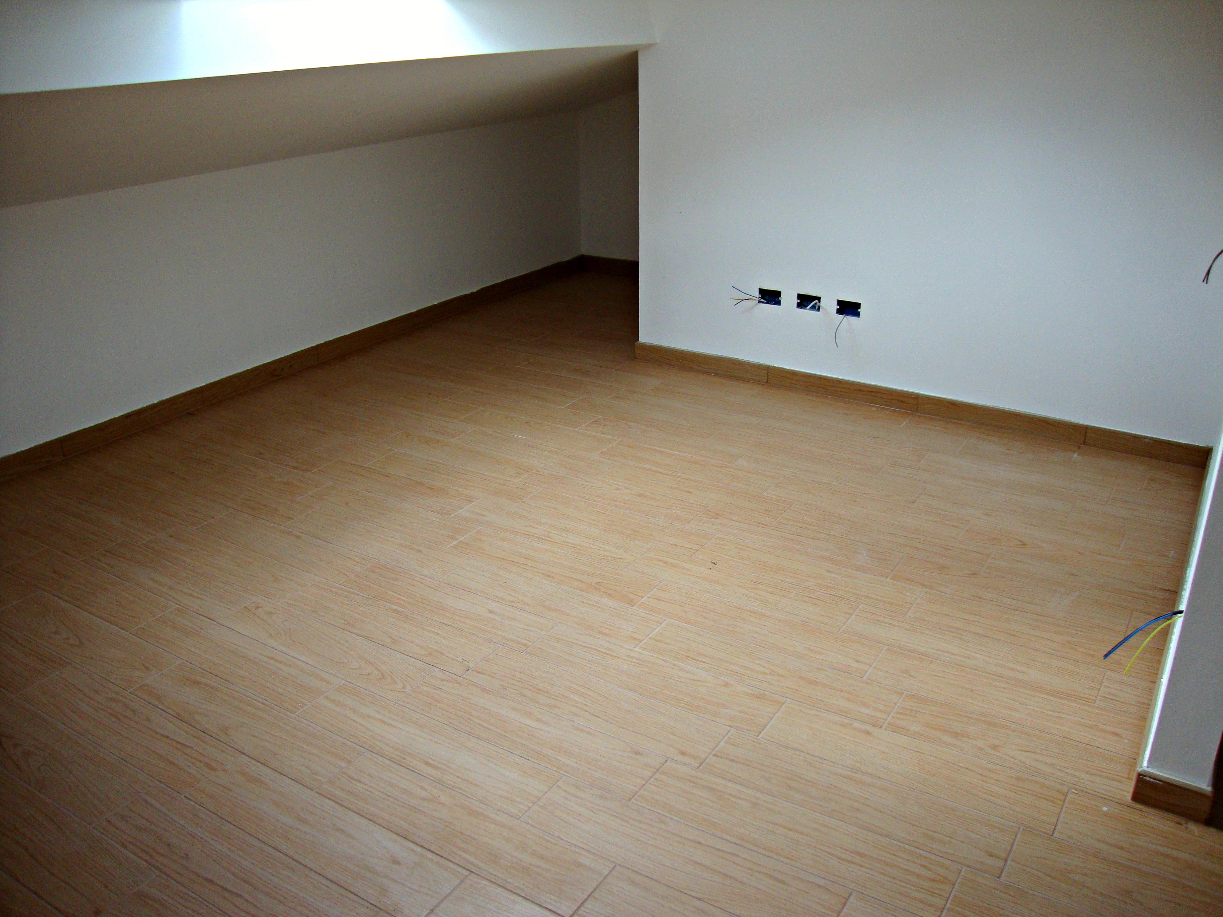 Mobili lavelli pavimento gres finto legno for Pavimento ceramica effetto parquet